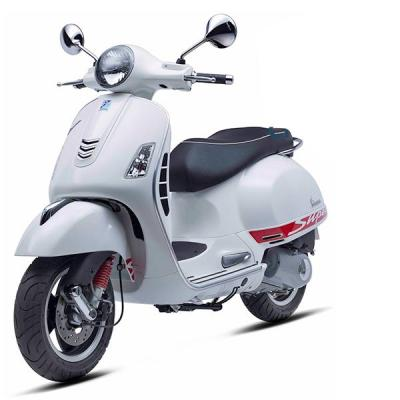 Vespa - GTS Super 150ie - White