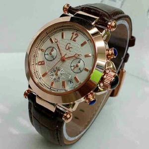 Jam tangan wanita Gucci Chrono & tanggal aktif